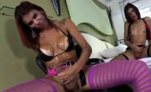 Transgirl Gabriella pounds Fernandas ass